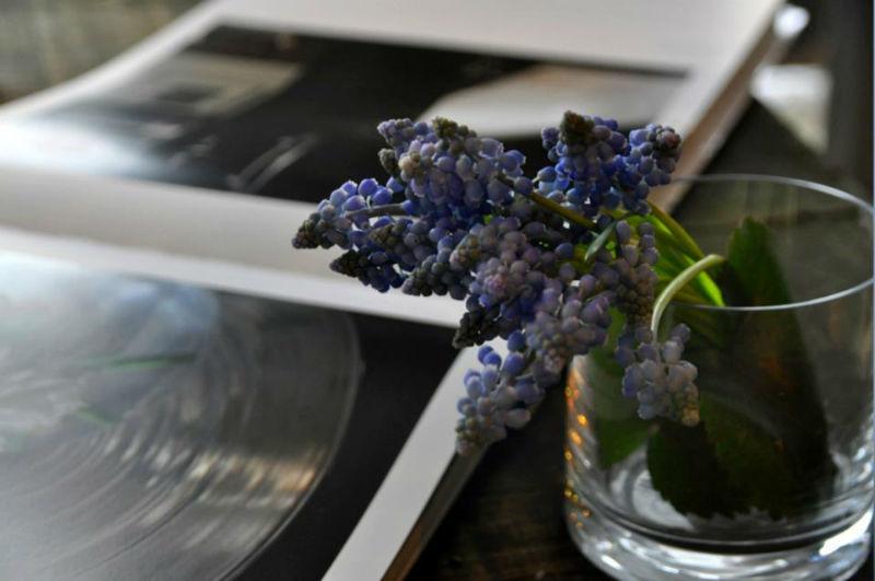 Beispiel: Innovative Blumenarrangements, Foto: Puls Floristik.