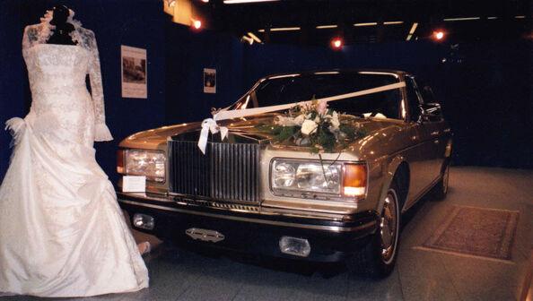 Beispiel: Mit dem Rolls Royce zur Hochzeit, Foto: Roger's Limousinenservice.