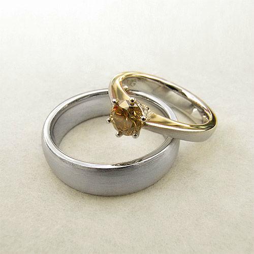 Beispiel: Trauringe und Verlobungsringe, Foto: Goldwürfel.