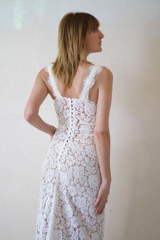 Notre robe dentelle vintage boutonnée