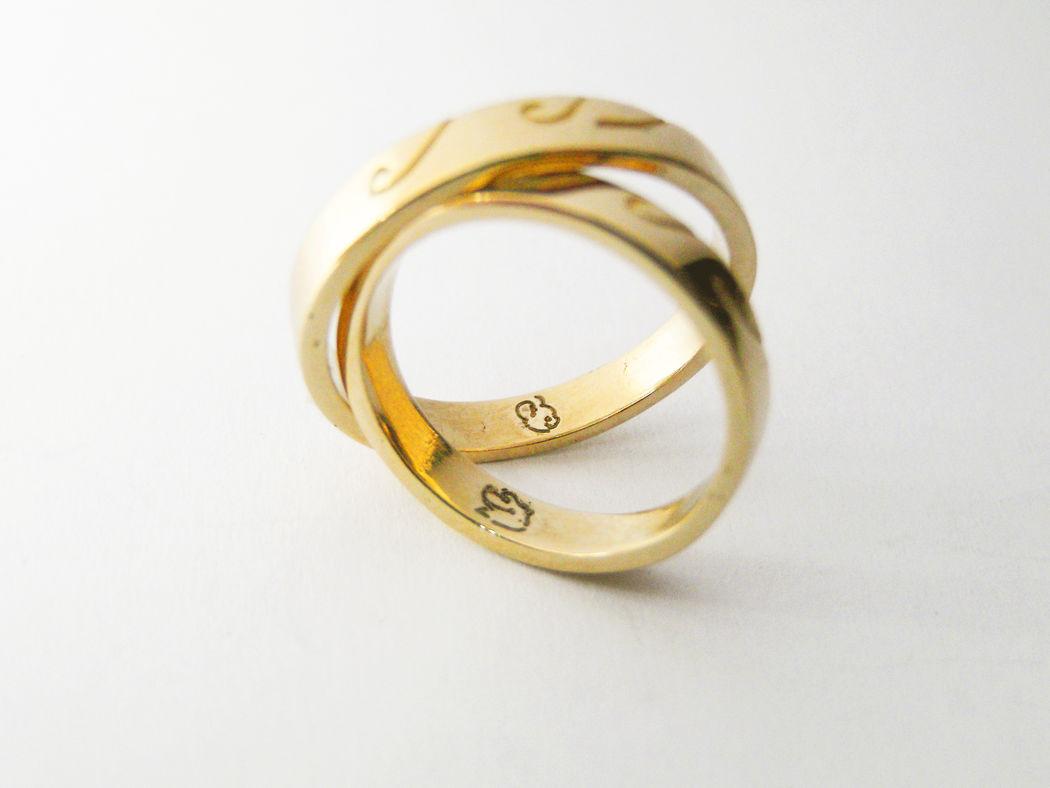 MIOeTUO - anelli in oro giallo con incisione laser
