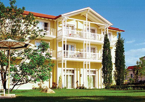 Beispiel: Ansicht Gartenseite, Foto: Travel Charme Ostseehotel Kühlungsborn.