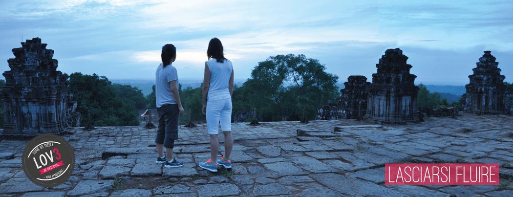 il silenzio e l'alba sui templi di Angkor Wat