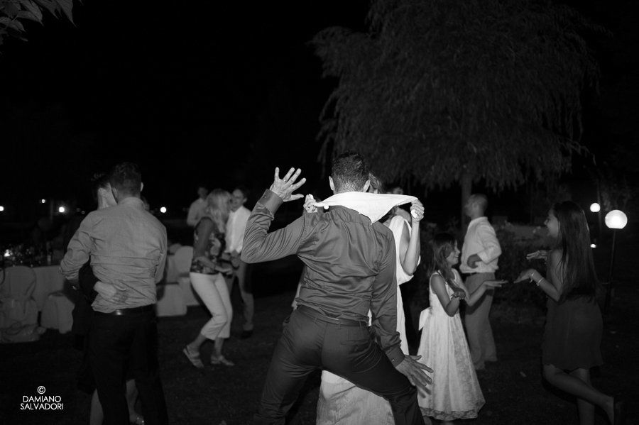 Una sera d'estate in Toscana: festa di matrimonio nel giardino dell'Hotel Certaldo (Toscana)