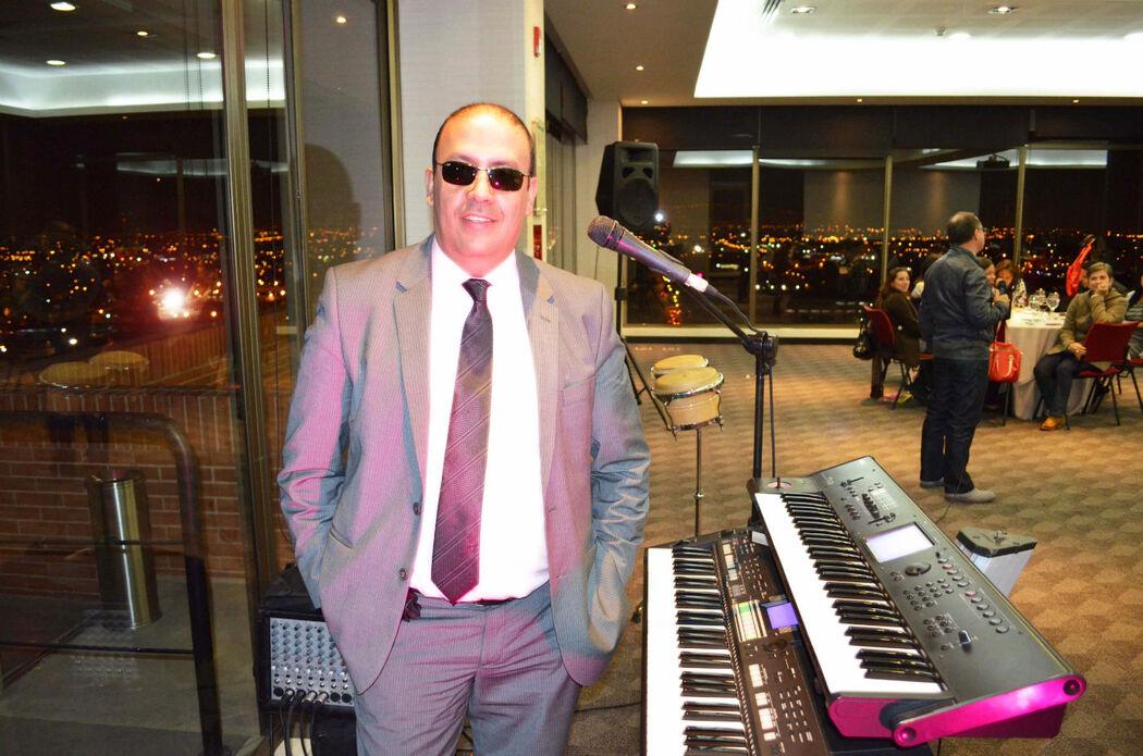 organistas en bogota-organista cantante