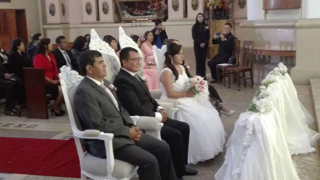 Padrinos y novios. Huancayo