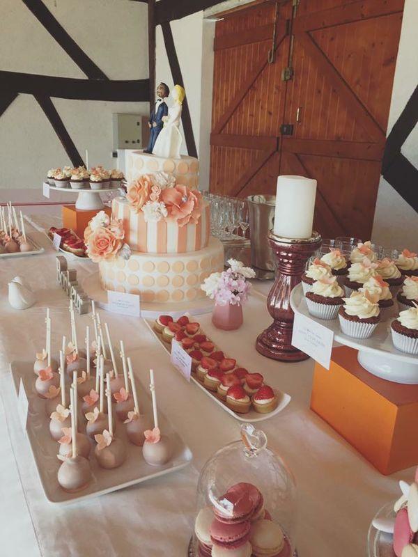 Sweet Table Orange et Blanc