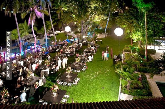 Jardín de eventos para bodas exclusivas en Puerto Vallarta - Foto Martoca