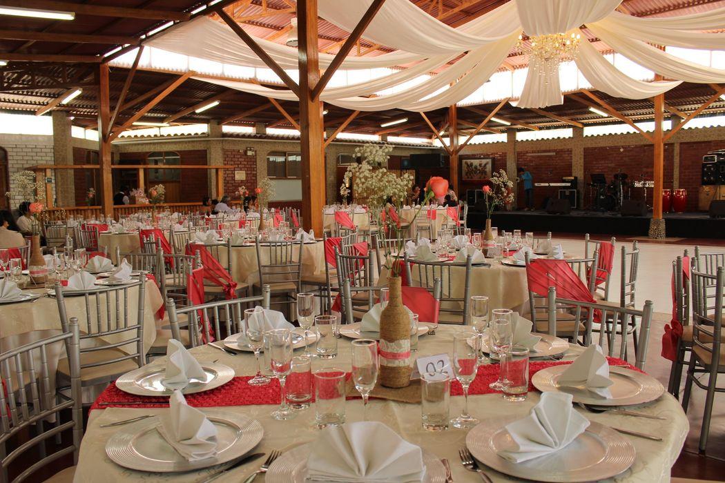 Hermosas mesas decoradas