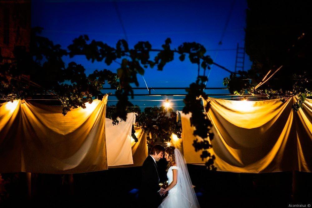 Fotografía nocturna de ceremonia civil