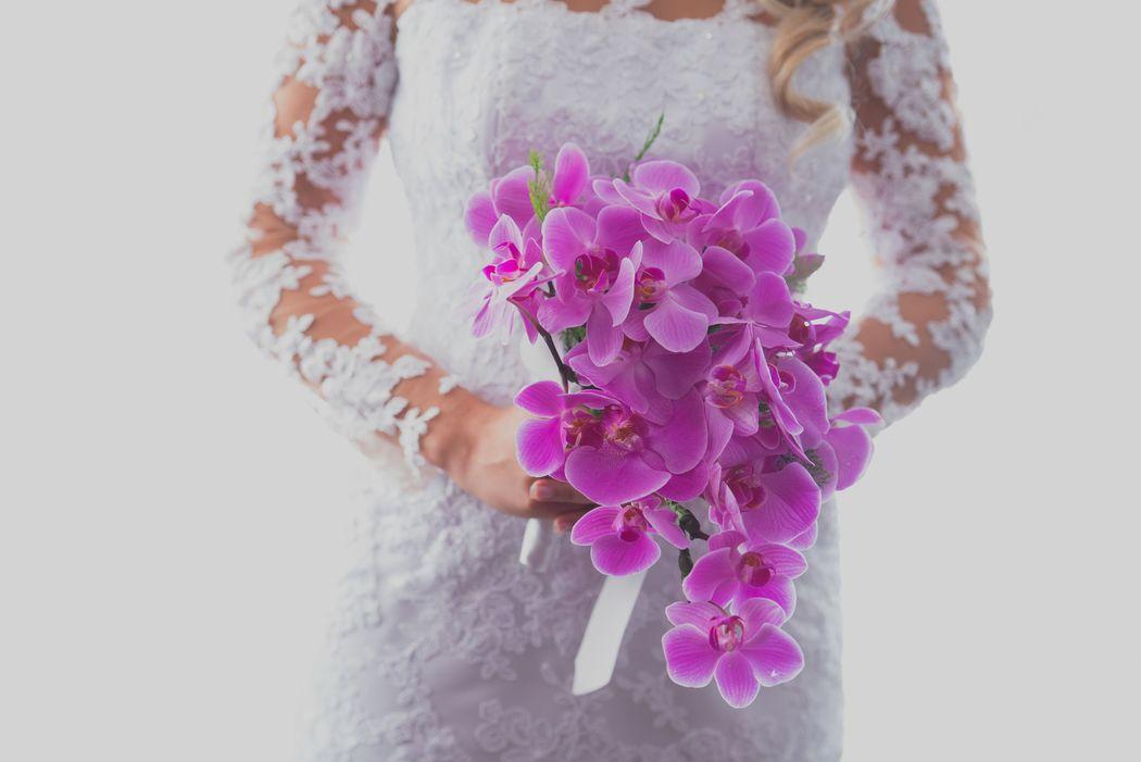 Noiva segurando o Bouquet