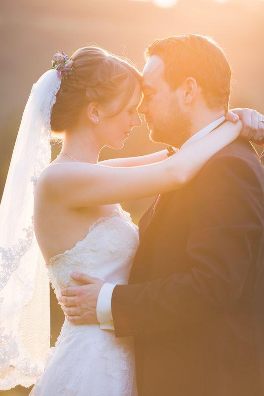 Beispiel: Brautpaarshooting im Sonnenuntergang, Foto: Hochzeitsfotografie Thomas Göbert