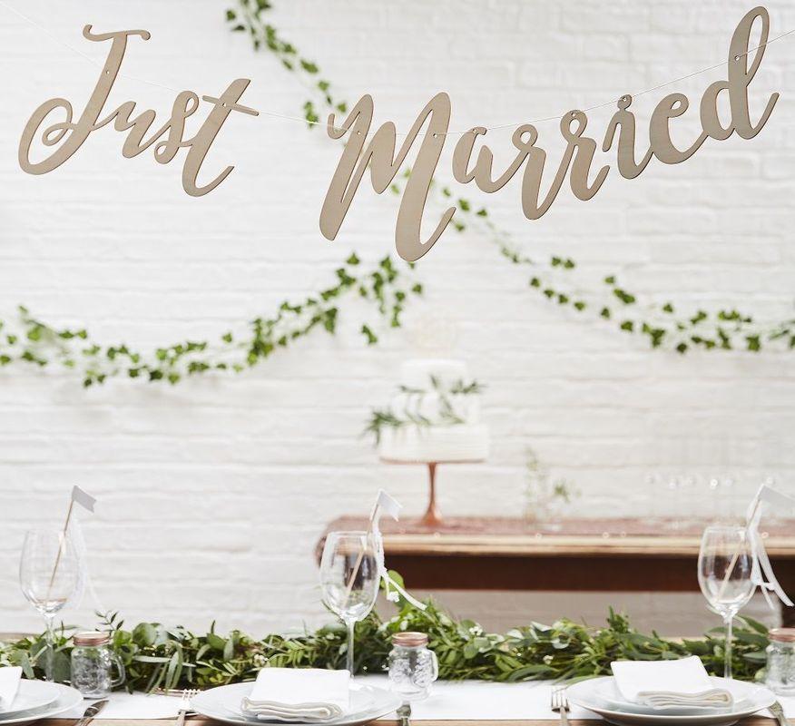 Guirlande Just Married pour une ambiance de mariage bohème et romantique