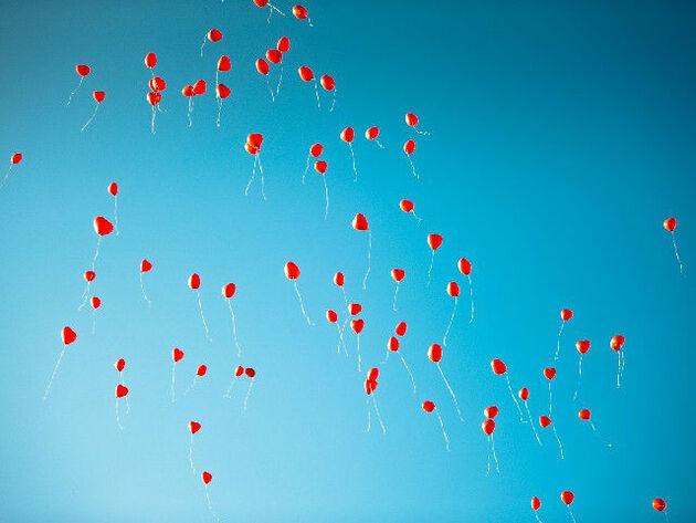 Beispiel: Rote Herzballons, Foto: Agentur Traumhochzeit Augsburg.