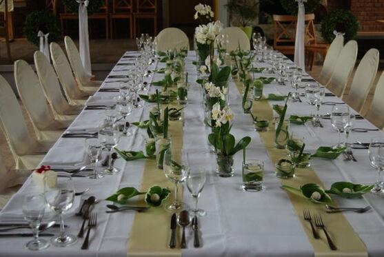Beispiel: Tischschmuck aus Orchideen, Foto: manufactura florale.