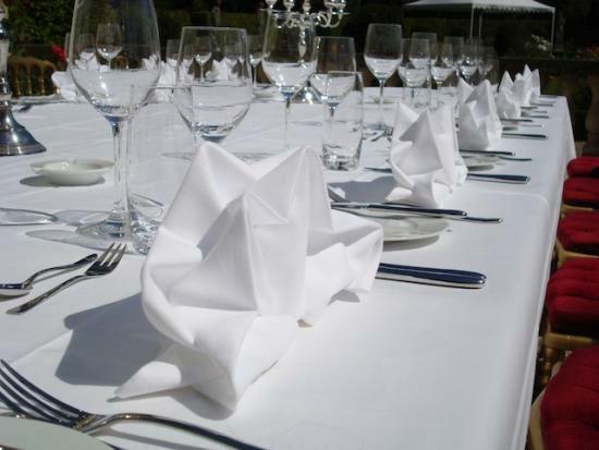 Beispiel: Tischdekoration, Foto: Ragaz Catering.