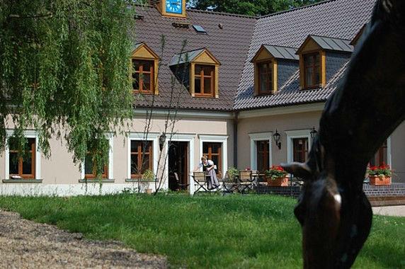 Beispiel: Restaurant und Garten, Foto: Gut Klostermühle.