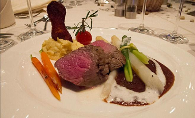 Beispiel: Kulinarisches, Foto: Alsterköche im Ruderclub Favorite Hammonia.