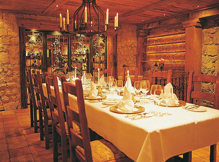 Beispiel: Festgedeck im Keller, Foto: Landgasthof zu den Drei Sternen.