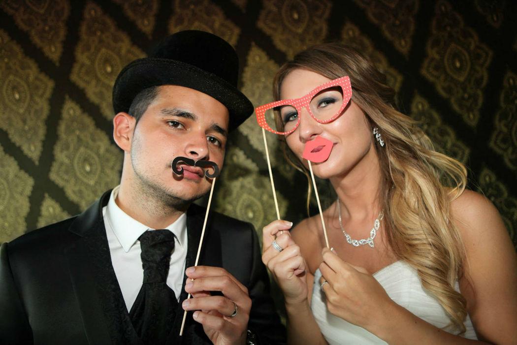 A Foto Vitoria esta a oferecer o PhotoBooth no se casamento