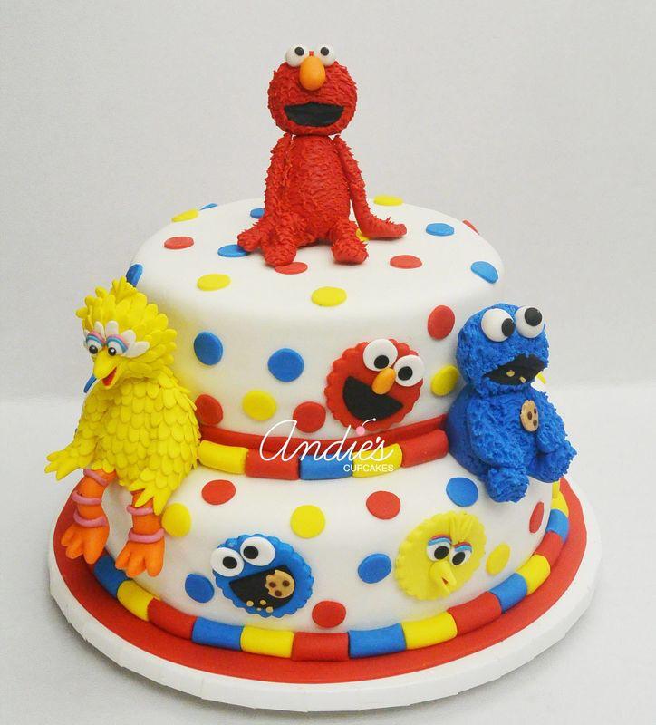 Andies Giant Cupcakes