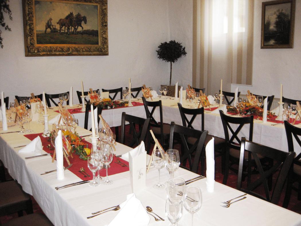 Beispiel: Hofstube - Tafel, Foto: Landgasthof Weisser Löwe.