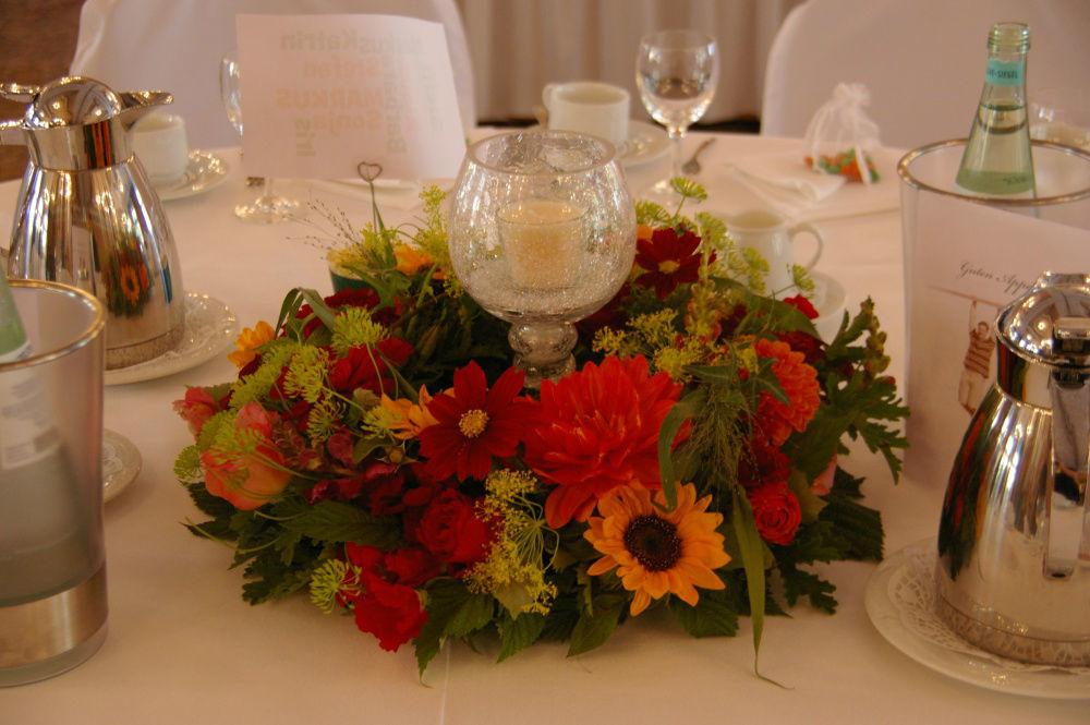 Beispiel: Florale Dekoration, Foto: Strobel Floristik.