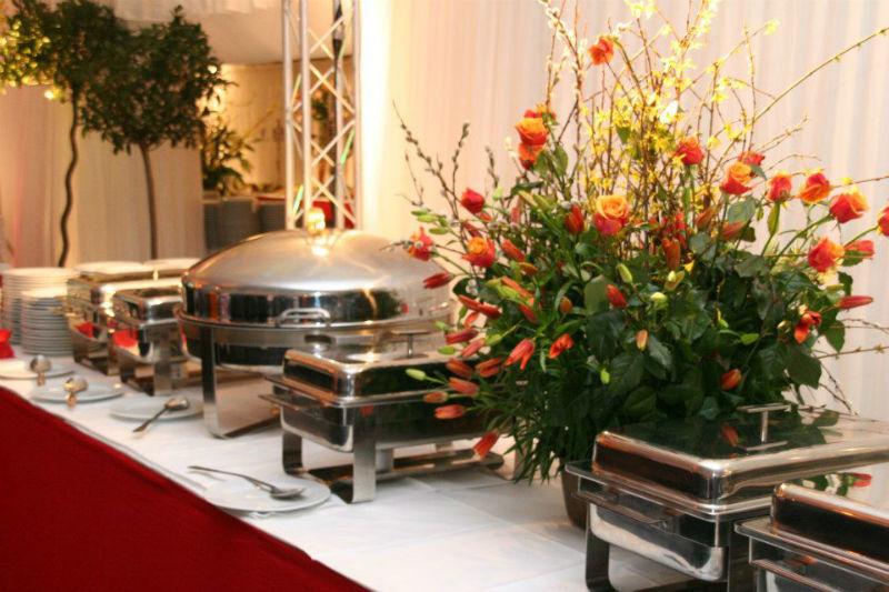Beispiel: Buffet und Dekoration, Foto: Das exklusive Buffet.