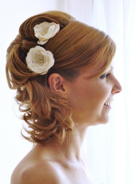 Beispiel: Brautfrisur mit Haarschmuck, Foto: Sylvia Mobil.