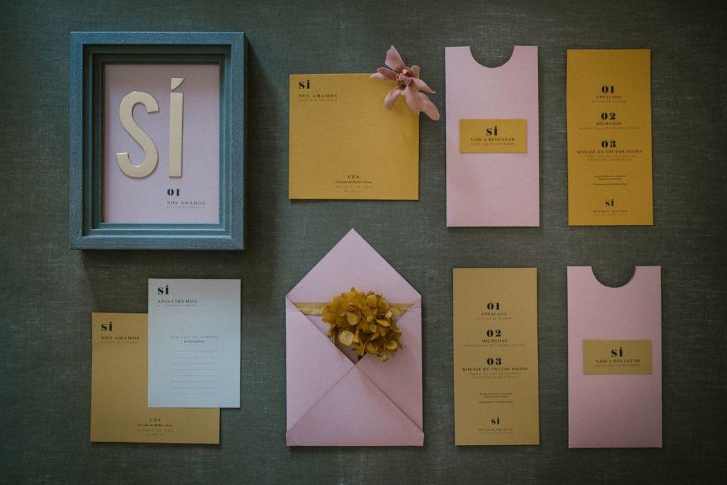 Colección de papelería de bodas 'SÍ' de Loveratory. Minimalista, elegante, atrevida y moderna.