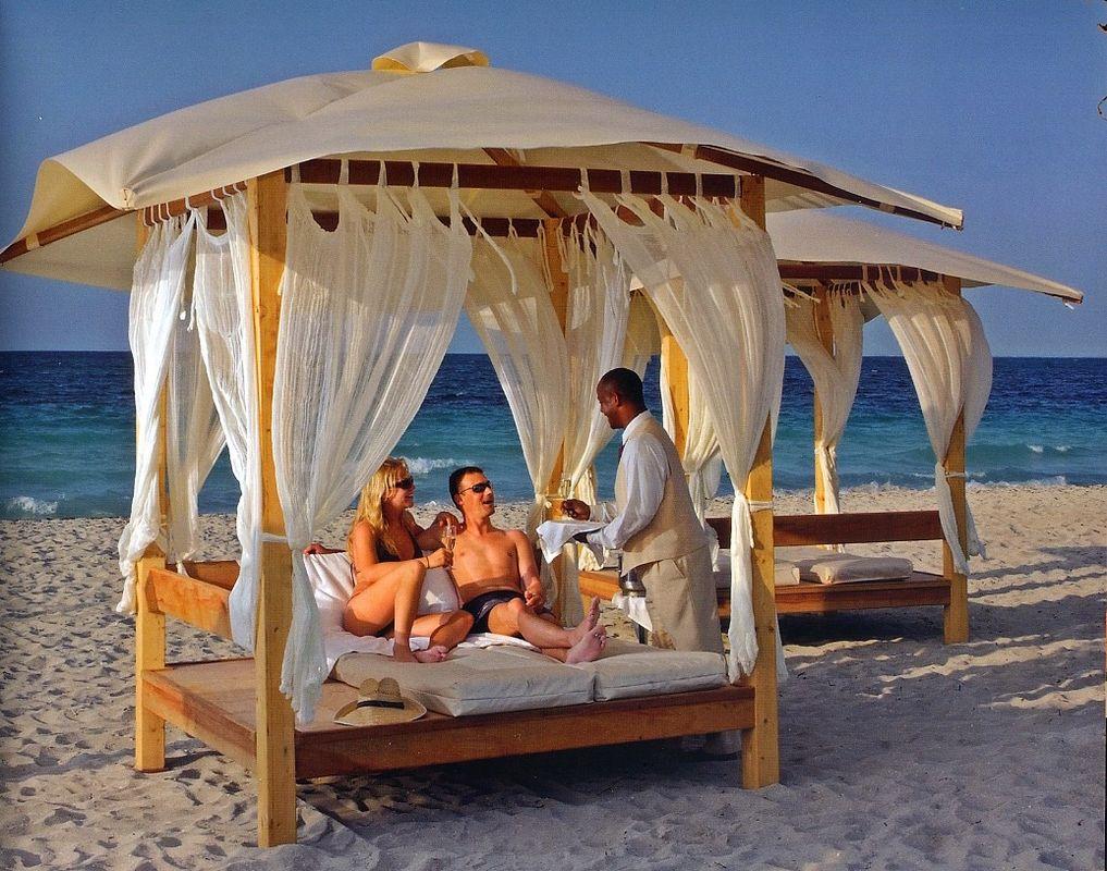 Paradisus Resorts, Servicio Real.