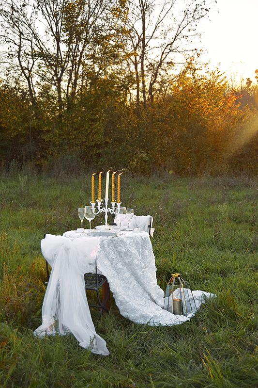 Dîner aux chandelles romantique