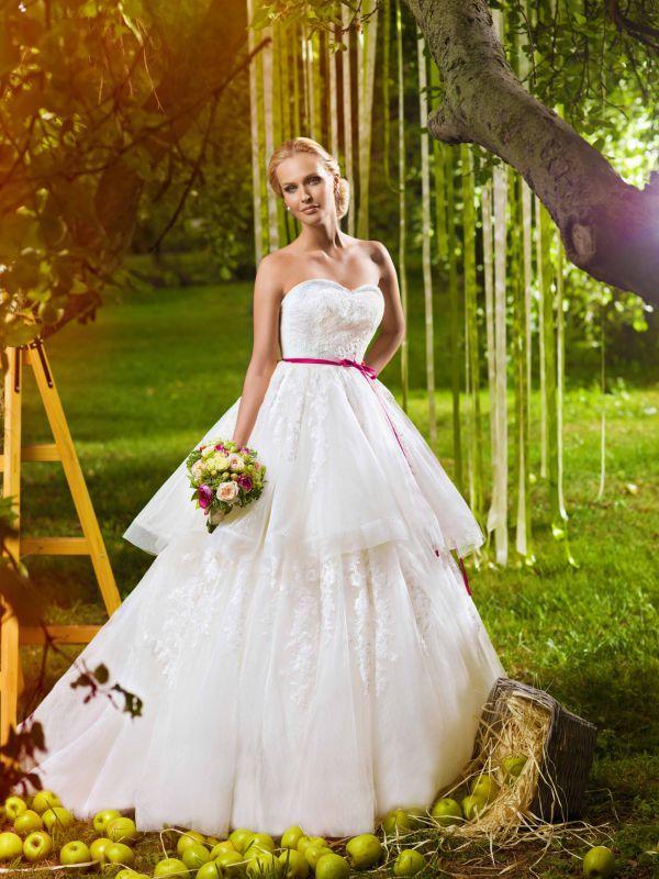 Кружевное свадебное платье трансформер с отстегивающейся юбкой от Helen Miller