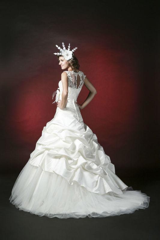 White Dress Modèle Galina  www.whitedress.lu