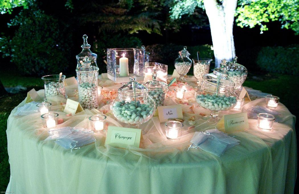 Maison Mariage Party & Wedding Planner: confettata a lume di candela