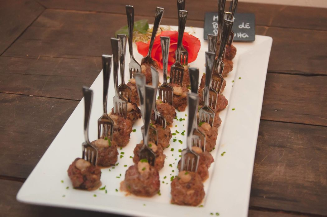Meatball de picanha com mostarda escura - Coquetel Volante
