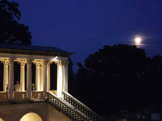 Belvedere bei Nacht. © SPSG, Förderverein Pfingstberg