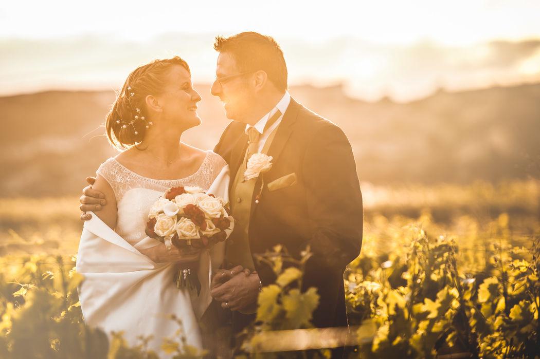 Photo es mariés dans les vignes autour du Château la Beaumetane