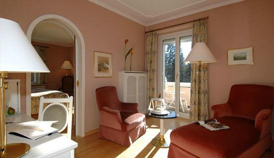 Beispiel: Hotelzimmer Deluxe, Foto: Schweizerhof Flims.