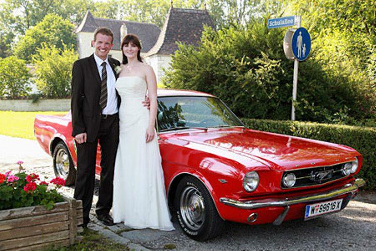 Beispiel: Hochzeit mit einem amerikanischen Oldtimer, Foto: Oldtimervermietung.cc