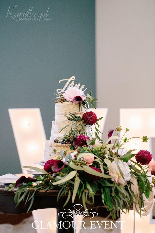 Tort w stylu barokowym z motywem LOVE fot. Zuzanna Karetta