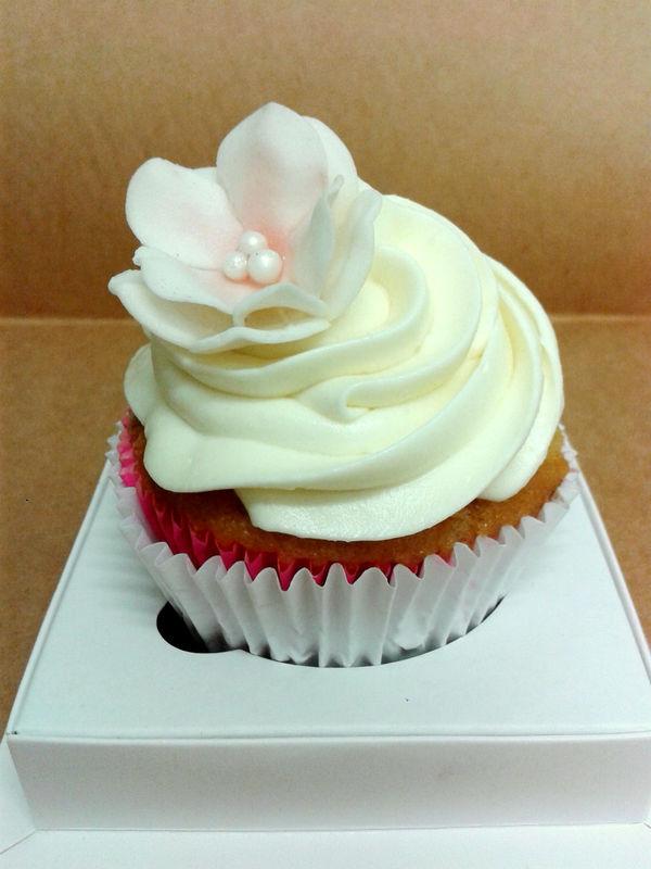 Cupcake com flor de açucar