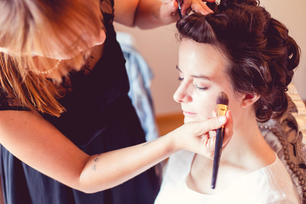 Making of Hair and Make-up by www.beautiful-Making bride.ch