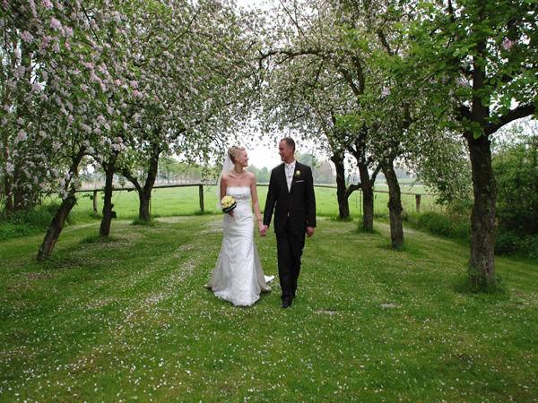 Beispiel: Brautpaar, Foto: Gut Schöneworth.