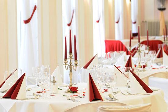 Beispiel: Dekoration - ein Traum in Rot-Weiß, Foto: Landhaus Hubertus.