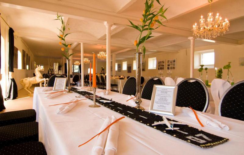 Beispiel: Hochzeitstafel, Foto: Hofgut Bergerhof.