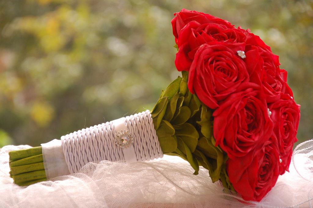 Buquê de rosas vermelhas. Encantador