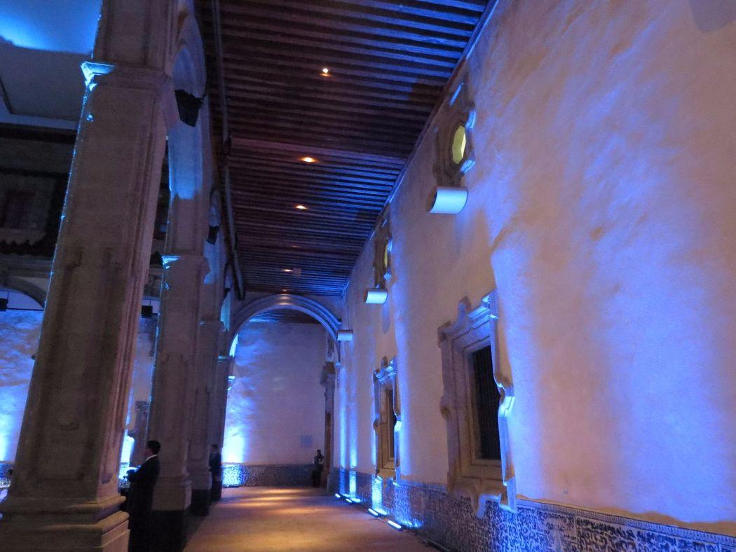 Iluminación ambiental museo MIDE