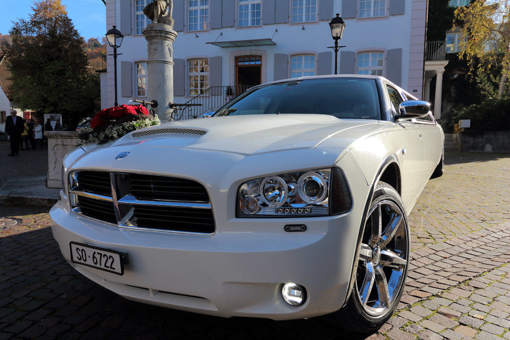 Dodge Stretch-Limousine mieten