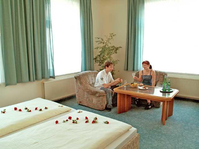 Beispiel: Doppelzimmer, Foto: Parkhotel Meerane.